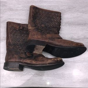 Frye Jenna Disc Short Distressed Boots